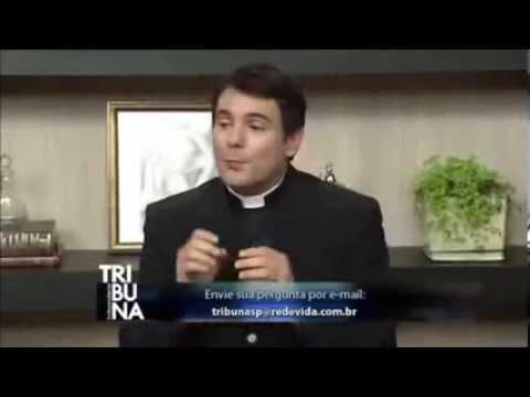 PADRE FALA QUE O CATOLICISMO ADORA O MITRA DEUS SOL