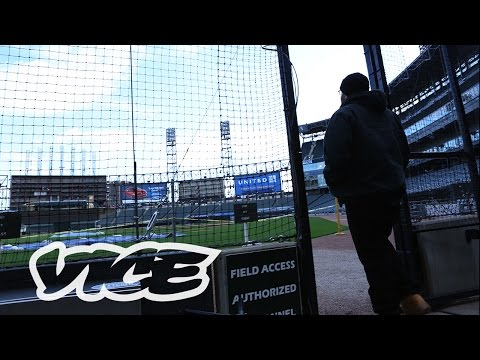 Streets by VICE: Chicago (Halsted Street)