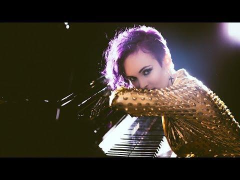 Venus Ferrari - I'll Never Abandon You (Official Music Video)