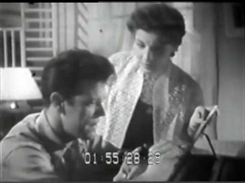 """Marlene, A Maior, cantando """"Lata d'água"""" de Luiz Antonio e Jota Jr."""