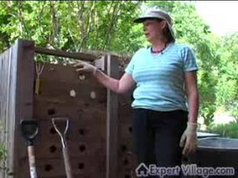 How to Compost : Learn Organic Garden Composting Online : Choosing a Compost Bin