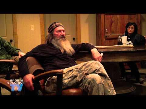 (Phil Robertson Exposes Fake TV) Willie & Phil Robertson talk about fake bleeps and praying in Jesus' name