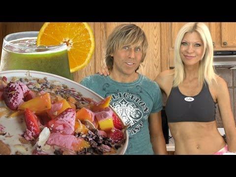 Cara and Markus Super Healthy Fast Raw Food Breakfast