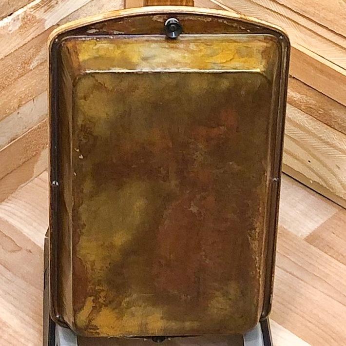 Back of brownie pan guitar