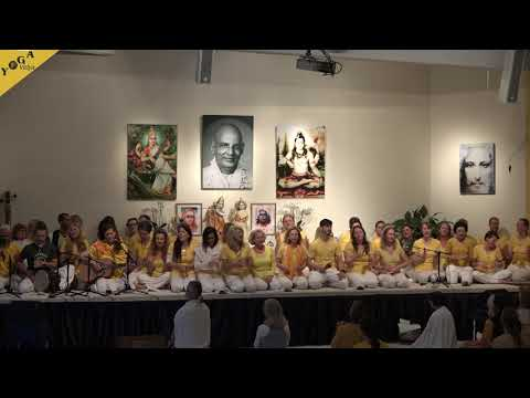 Jaya Shiva Shankara by a yoga teacher training group