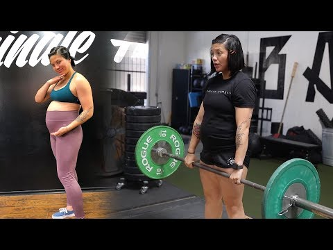 POWERLIFTING WHILE PREGNANT