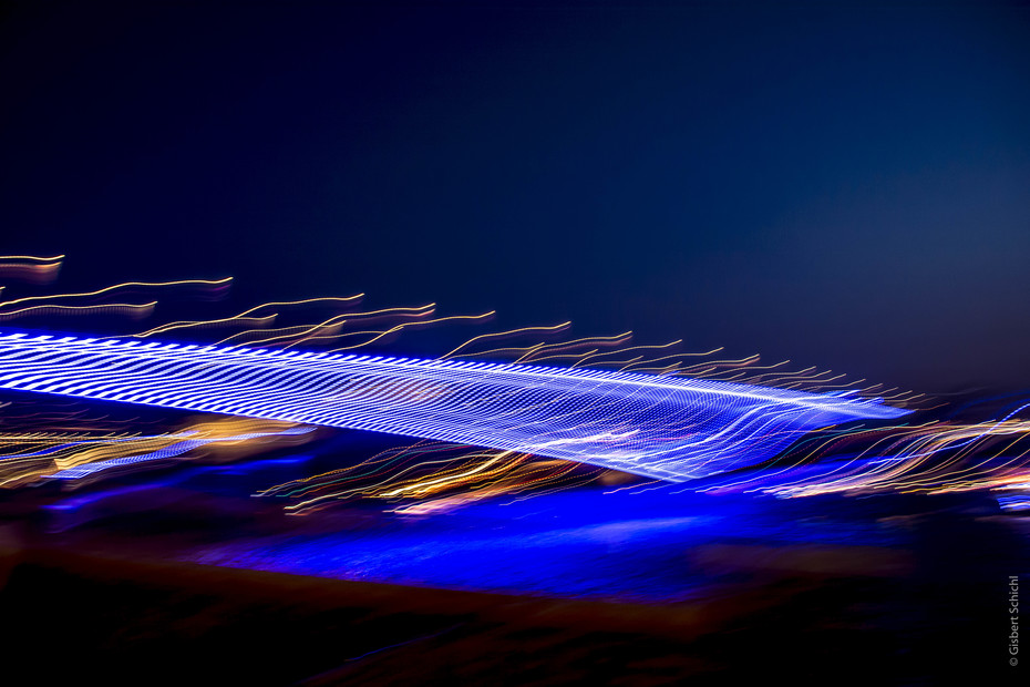 Light installation at the Deutzerbrücke