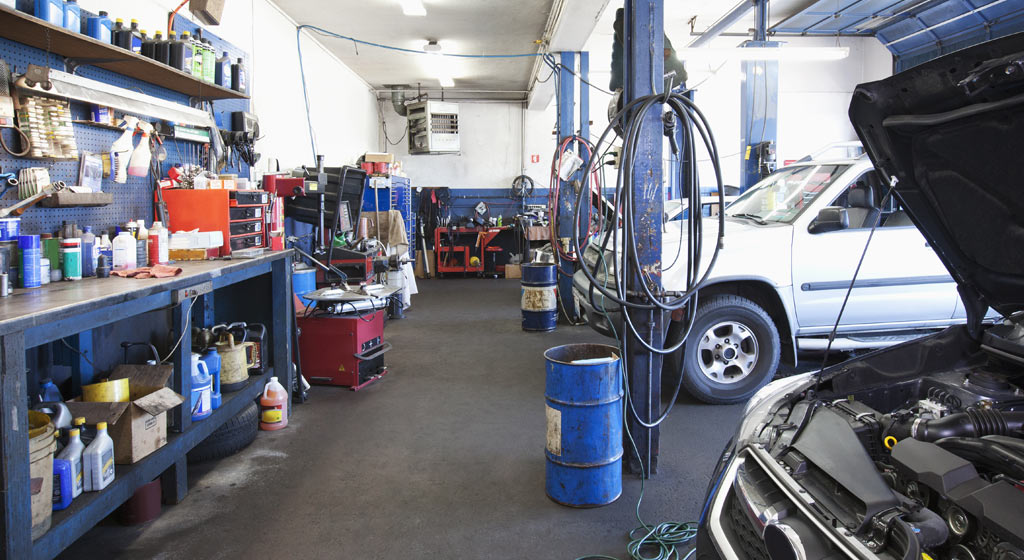 open an auto repair shop 5 things you should know. Black Bedroom Furniture Sets. Home Design Ideas