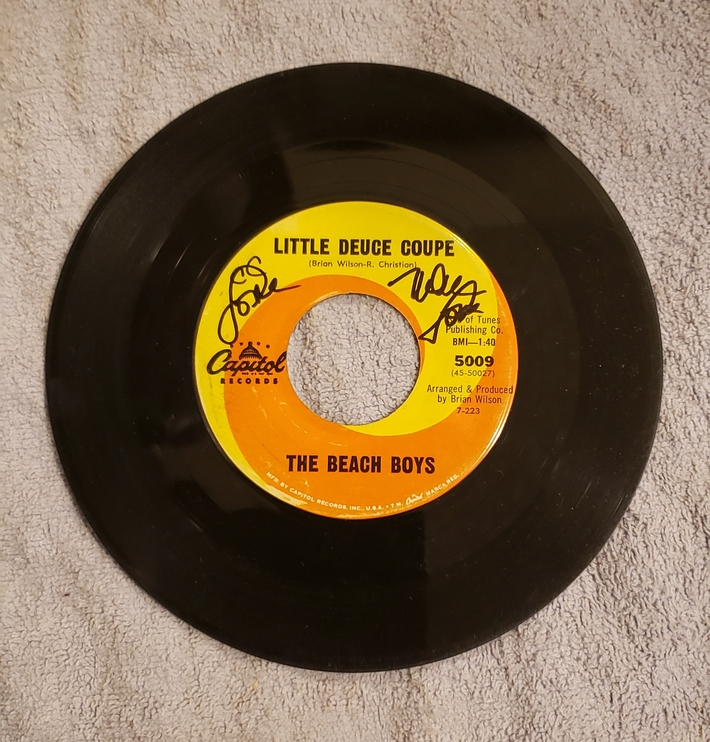 Mike love signed Beach Boys 45