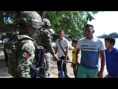 MEXICO LIES: Troops at the Border are doing NOTHING to Stop Illegals from Crossing the US Border..