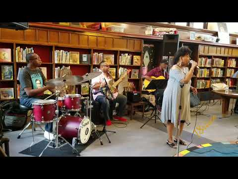 Jazz Workshop Inc hosts Jazz on the steps with Sandra Dowe