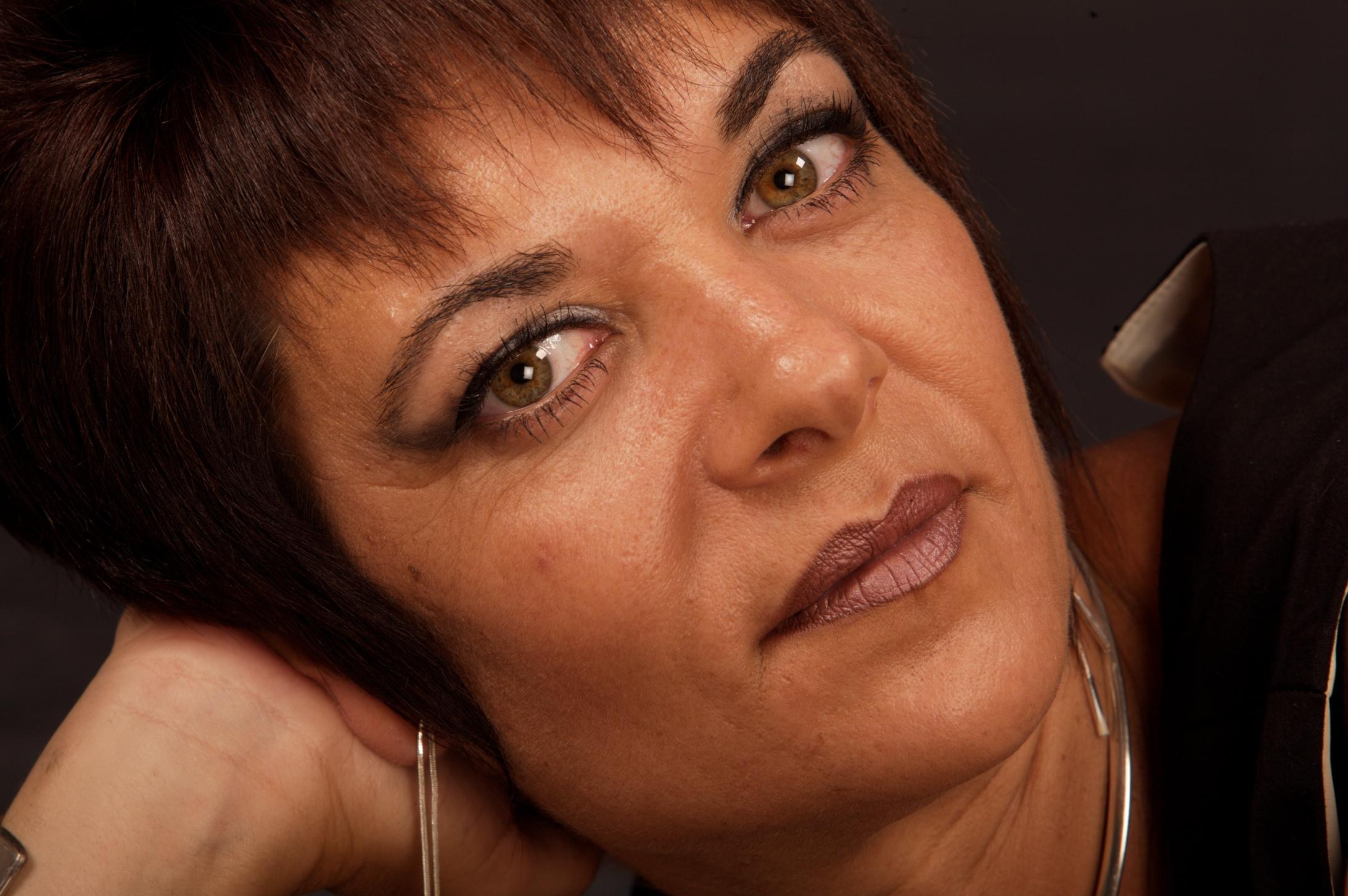 Lola Linares