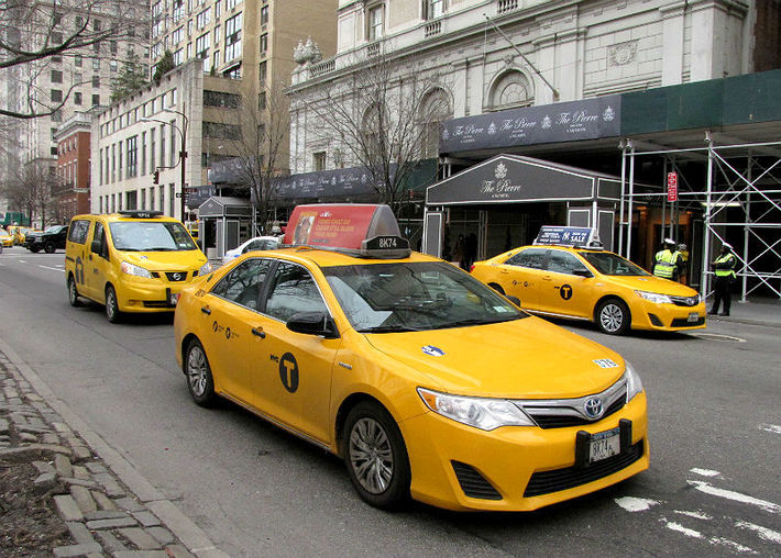 How A Taxi Rental Can Enhance Your Journey?