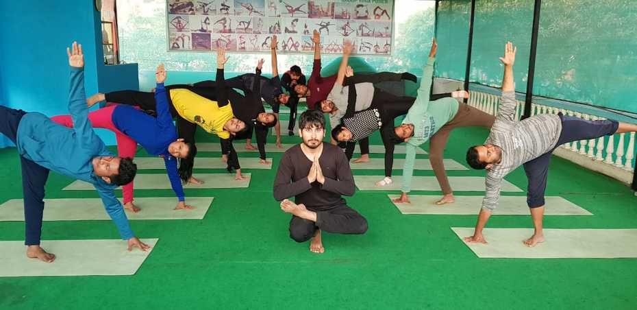 Kunwar-Yoga-Students-3