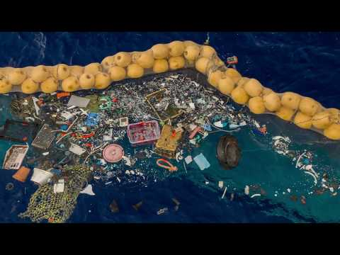 A Giant Floating Machine is Now Cleaning Up the Great Pacific Garbage Patch