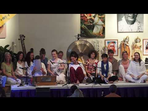 Shanti mantras in vedic way - recitation - Mohini with group