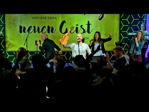 "Joshua Aaron in Germany singing ""Lion of Judah"" // German & Hebrew"