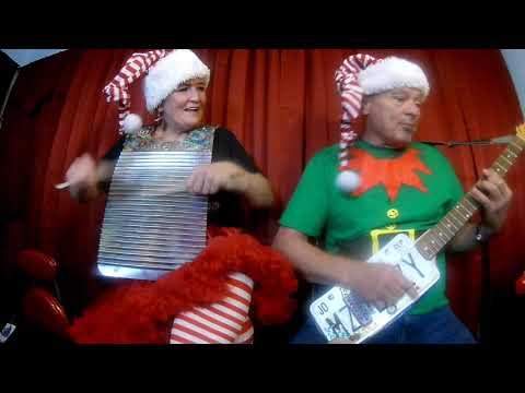 Washboard and Stovepipe = Santa Bring My Baby Back