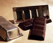 Cioccolato di Modica - Le tradizionali tavolette e le caratteristiche forme di latta