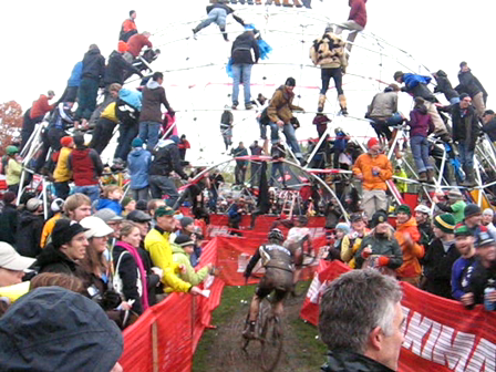 SSCXWC: Ryan Trebon and Dog run for training