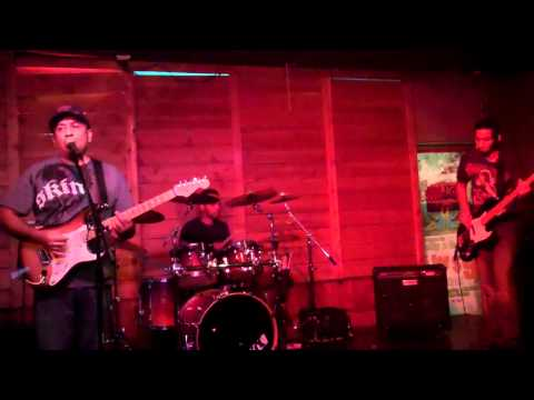 Wicked Vision Live @ Holly & Dollys