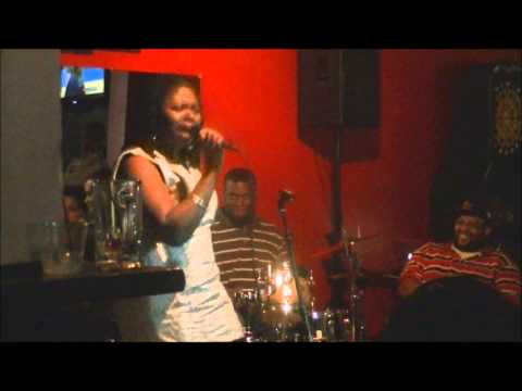 St. Louis Indie Artist Raye Cole Performs Original Song at Love-Jones Theory St. Louis