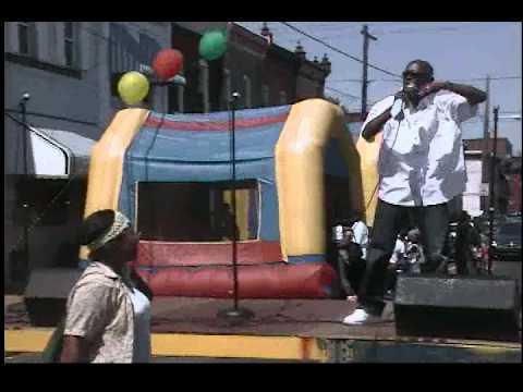 "Cozy Moe Peformance of ""Just the way you walk"" @ Community Appreciation Day (08/28/10)"