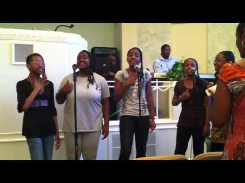 C5 GOSPEL GROUP HOLY GIRL ROCK ,GOD HAS SMILE ON ME JULY 13.2012 GOD VOICES ENT