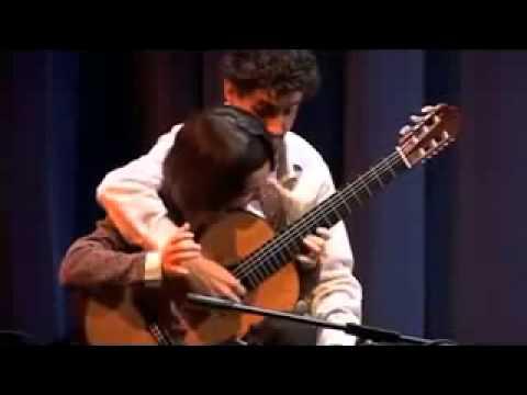 В 4 руки на одной гитаре. Популярная мелодия тико-тико.