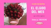 CELEBRA con caja de fresaas organicas