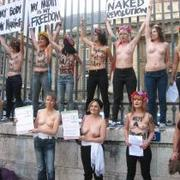 Femen_GT_paris_nc