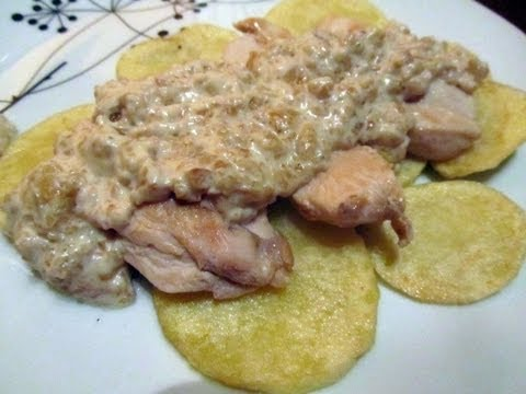 POLLO CON SALSA DE ALMENDRAS // CHICKEN WITH ALMONDS SAUCE