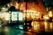 Night photo, Paris in the rain