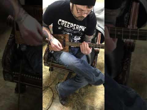 Jack Daniels 3 string guitar Demo2