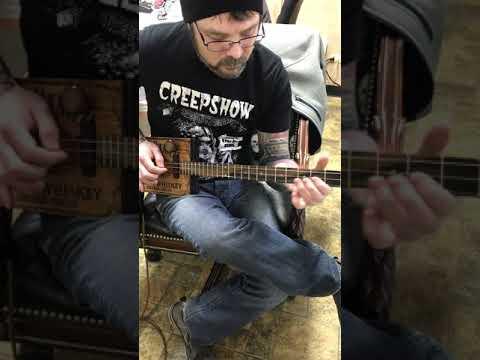 Jack Daniels 3 string guitar Demo 3
