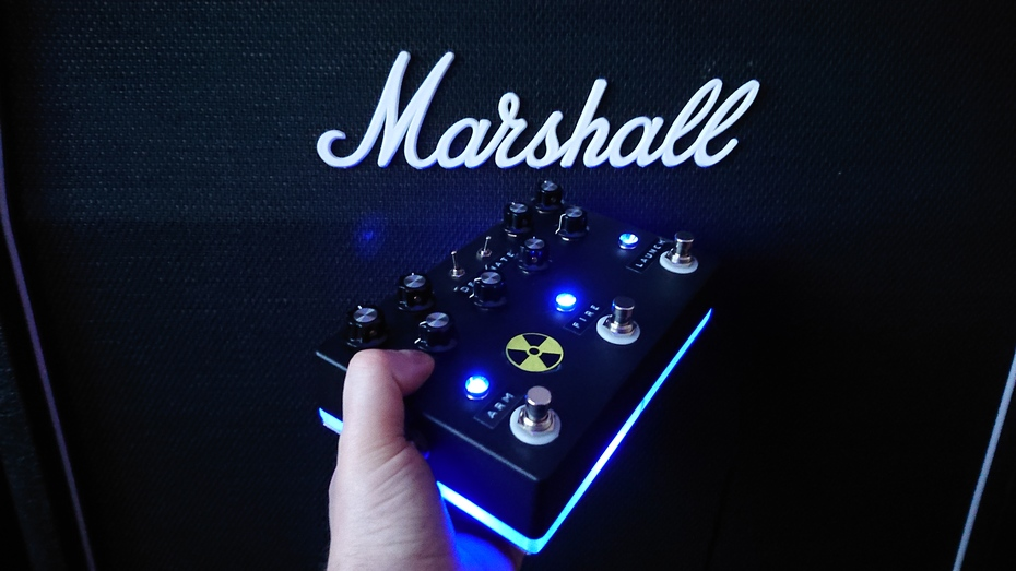 I built another guitar effects pedal.