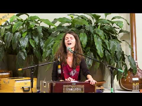 I am One With the Love - Sabine Steenbuck - Satsang 07.12.2019