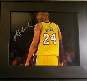 Likely Not Genuine: Kobe Bryant Hand Signed 8×10 Photo With Coa And Frame $100