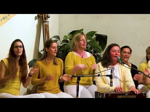 Devi Devi Devi chanted by Katyayani and group | Devi Kirtan