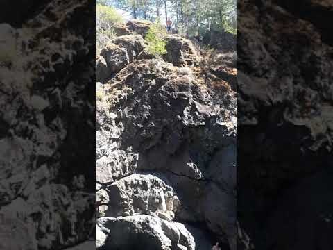 Clif jumping at Sooke Potholes