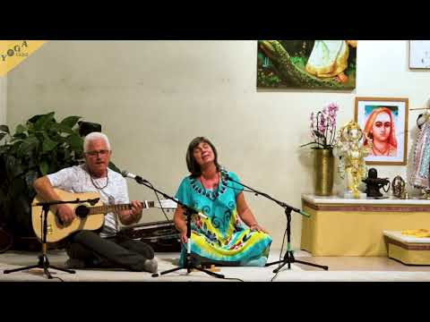 Ambe Jagadambe by Mudita group | Devi Kirtan