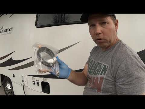 EASY  RV TOILET REPLACEMENT + BONUS TIP