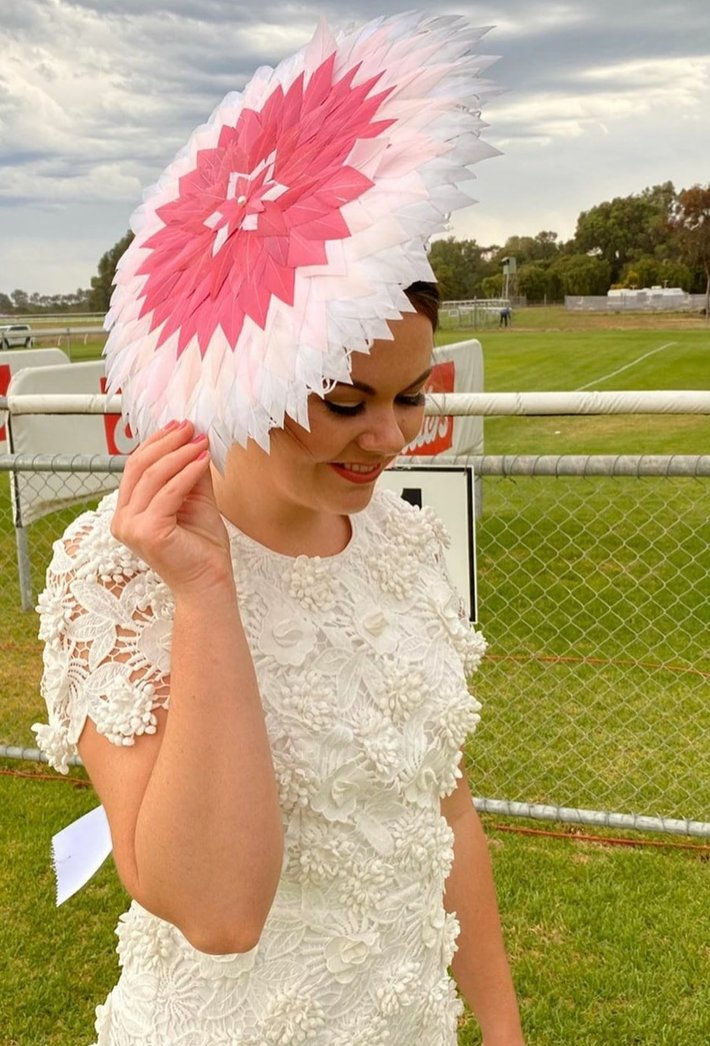 Feather Brim - Lady of the day