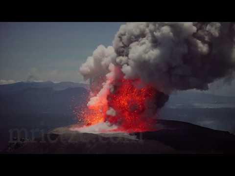 Gunung Ibu volcano - Eruptions at night