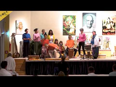 Monochord and Mokshamantras - Bernardo with drum group