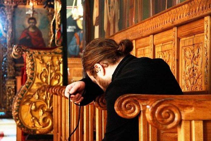 Oι Άγιοι πως ακούνε τις προσευχές μας; Τι συμβαίνει;