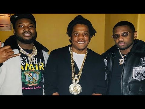 Jay Z Gives Meek Mill Roc Chain Off His Neck @StreetVueTV