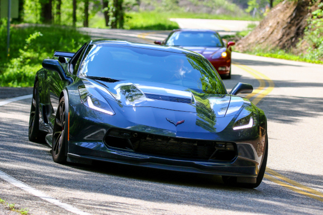 C7 Corvette at the Tail of the Dragon