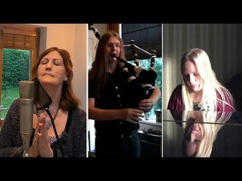 A vava Inouva en Hommage à Idir par Stina et Karen Matheson