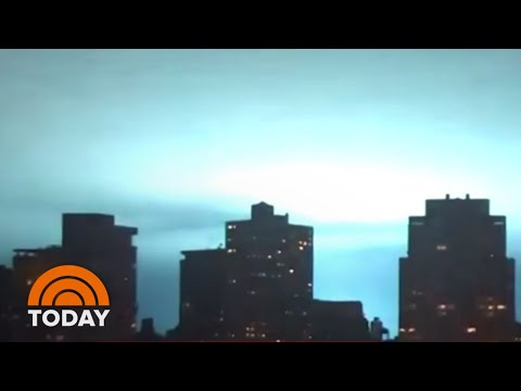 Blue Light Engulfs NYC Sky As Transformer Blaze Erupts In Queens   TODAY